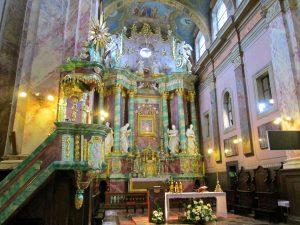 Ołtarz w Sanktuarium w Studziannej-Poświetnem. Fot. Mr SCOTT - panaszonik.blogspot.com