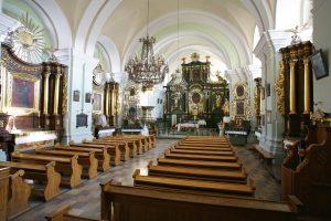 Wnętrze sanktuarium Św. Anny w Smardzewicach. Fot. klasztor.website.pl