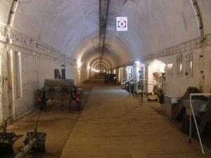 Wnętrze schronu. Fot. www.bunkierkonewka.eu